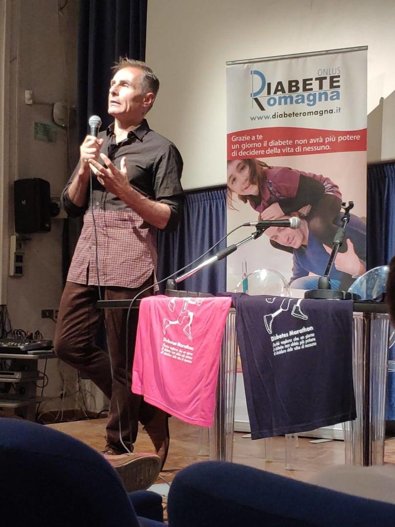 L'attore Peter Arpesella Protagonista Del Video Di Diabete Romagna Dedicata Alle Donazioni Regolari