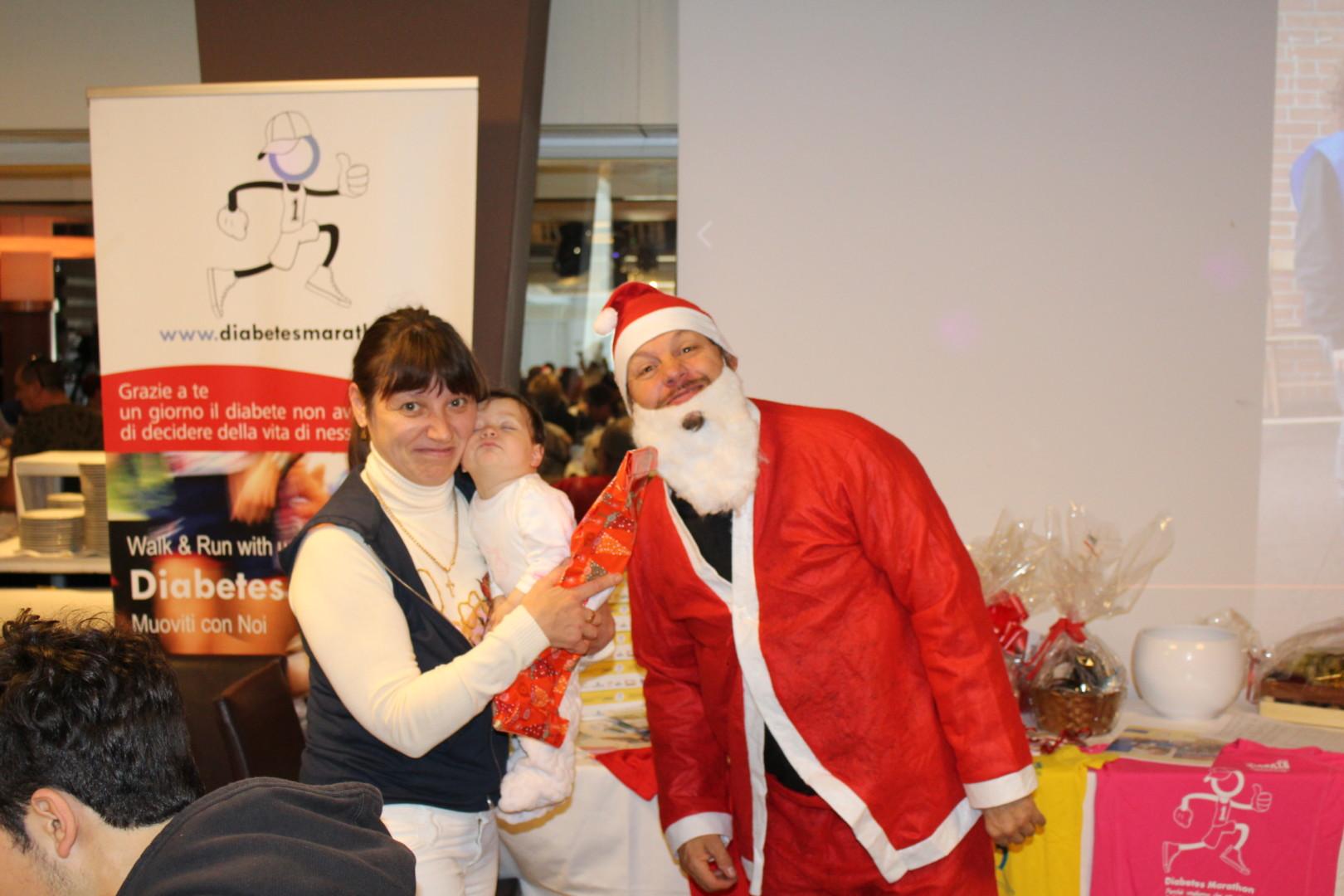 La Magia Di Babbo Natale Per I Bambini Presenti Al Tradizionale Pranzo Natalizio Di Diabete Romagna ONLUS